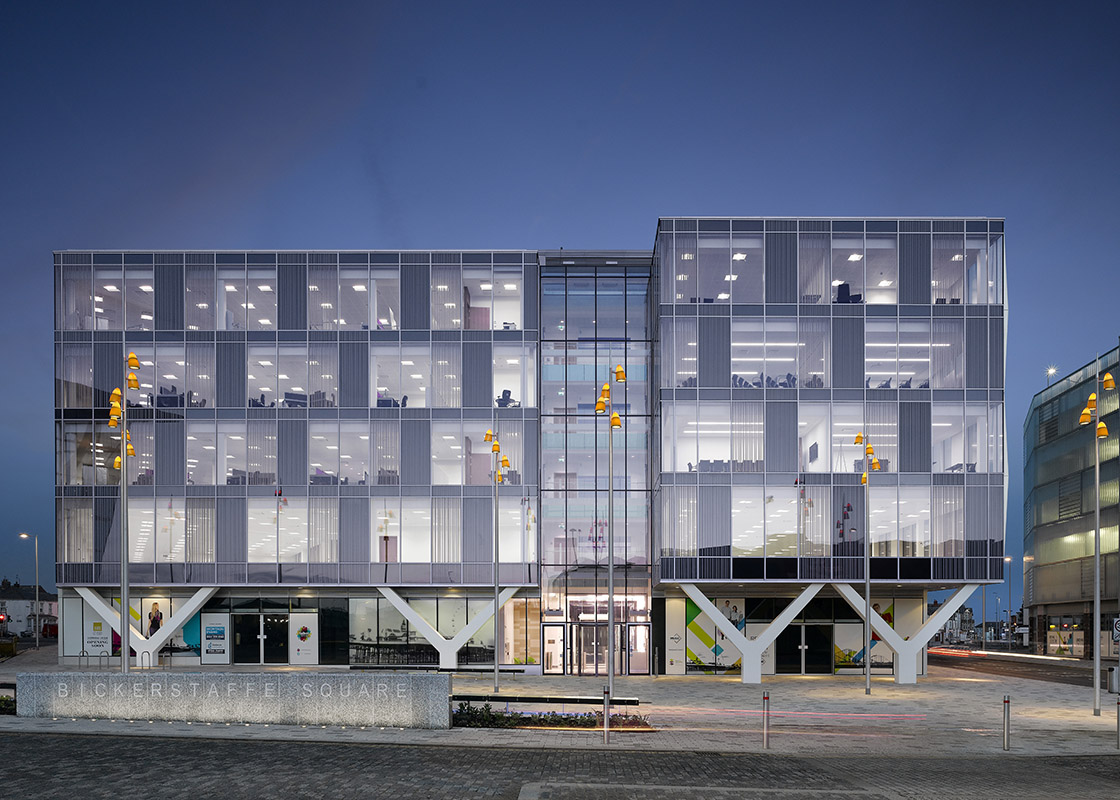 Talbot gateway blackpool council office workplace for V column architecture